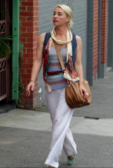 asher keddie 380x566 Is Your Wardrobe Full Of Someone Elses Style?