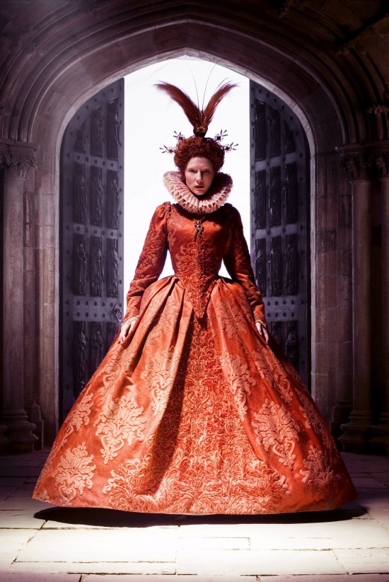 1. Elizabeth The Golden Age 550x823 Hollywood Costume