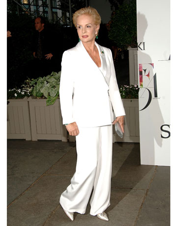Carolina Herrera in white suit at CFDA awards de 88863854 Why You Should Dress In All One Color