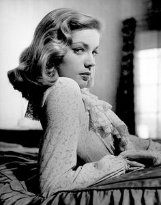 43272662eacbadf45bf6aa81f36e579b1 Lauren Bacall Style Icon