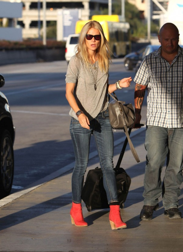 Gwyneth Paltrow R13 Skinny Jeans Blue 1 e1347159491557 Jeans And A Tee