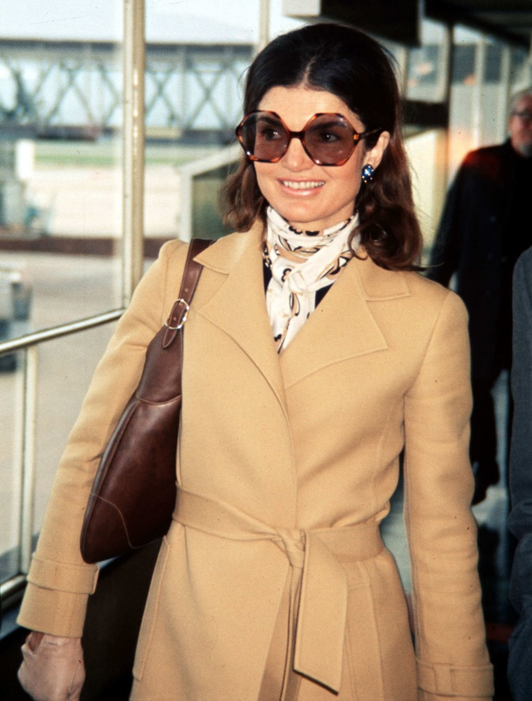 jackie kennedy 096.nocrop.w1800.h1330.2x1 777x1024 How To Add Wow To Your Outfit